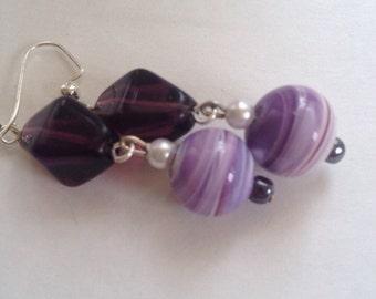 Glass bead purple swirl dangle earrings