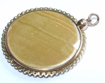 Antique 9ct gold locket / double picture pendant