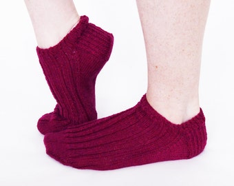 Handmade knitted ankle socks - magenta pink trainer socks - fashion socks for women - clothing accessory. Ready to ship!