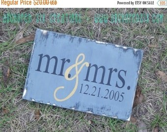 10% OFF WS0001 - Mr & Mrs - Wedding Gift - Anniversary Gift - Personalized Anniversary Sign - Custom Home Decor