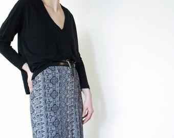 Aztec print // Wrap skirt // Tribal print // Bohemian // Festival skirt // Pencil Skirt // Midi skirt // Pink Black // 90's inspired
