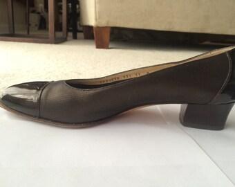 Vintage Salvatore Ferragamo Black Women's Shoes Size 11
