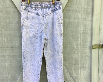 80s Acid Wash Maternity Jeans, Light Wash Denim Maternity Pants, Grunge Maternity, High Waist Maternit Jeans, Maternity Straight Legs, Small