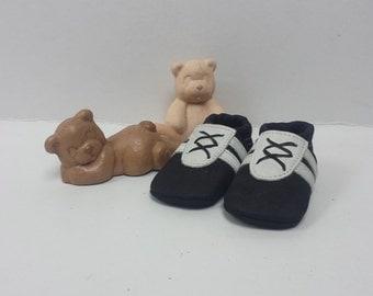 Handmade baby shoes black white