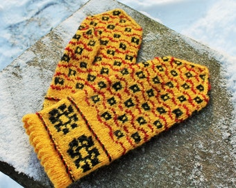 Hand knitted mittens Wool mittens Knit wool gloves Winter mittens Patterned mittens Hand made from Latvia