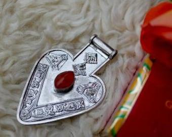 Carnelian on turkmene silver jewelry