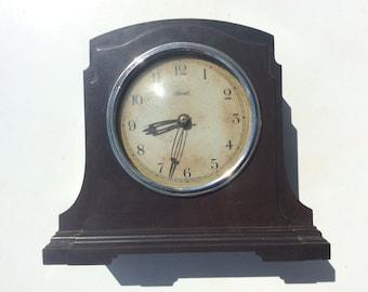 Vintage Bakelite clock  Ferranti 1930s/1940s