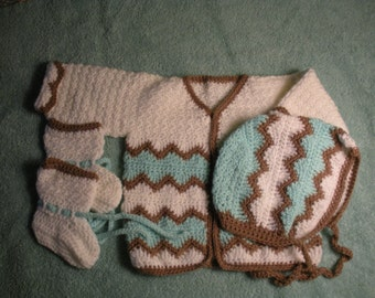 """Baby boy cardigan with """"helmet"""" and booties 3 to 6 months B0013"""