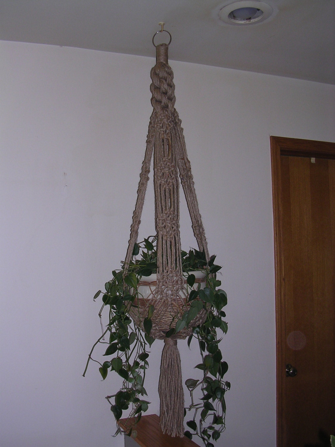 jute macrame plant hanger instructions