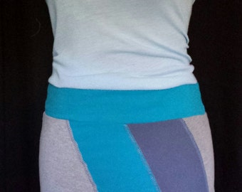 Classic bum cover, turquoise blue and grey jersey skirt, upcycle t-shirts, fun and comfortable