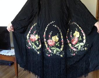 1920s Embroidered and Fringed Piano Shawl Kimono Robe - osfm
