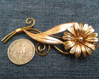 Vintage Gold Tone Krementz Flower Brooch