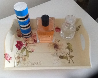 Wooden mini tray decorated with decoupage flowers