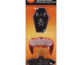 Wilton Vampire Cutter Set