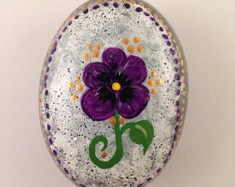 Purple Pansy Flower Hand Painted on Gray River Rock-Pansy,Purple Flower,River Rock,River Stone,Flower Garden,Stone Art,Painting,Purple Pansy