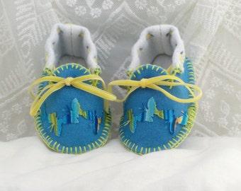 Blue & Butterflies Baby Moccasins. Wool Mix Felt. New Baby Gift. OOAK