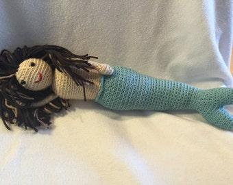 crochet mermaid stuffie