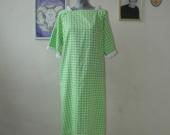 Green Mod Dress with Lace Trim