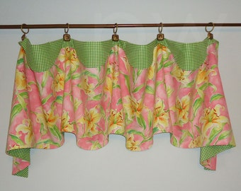 Waverly Seaside Lily Pink and Green Valance