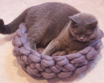 Chunky knitted pet bed 100% merino wool, crocheted merino wool pet bed, knitted cat bed , dog bed, pet bed, cozy pet bed extreme knitted