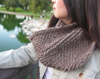 Chunky Knit Scarf Cowl in Barley / Handmade