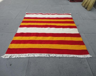 Hand woven Turkish Small rug,30'' x 28'' inches