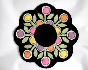 FOLK ART FLOWERS Felt Candle Mat Table Topper Penny Rug
