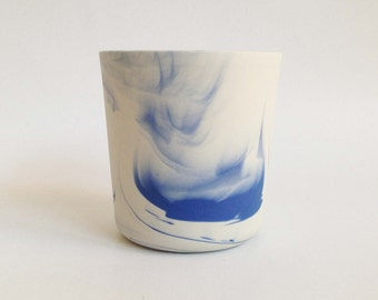 Blue-white porcelain vessel