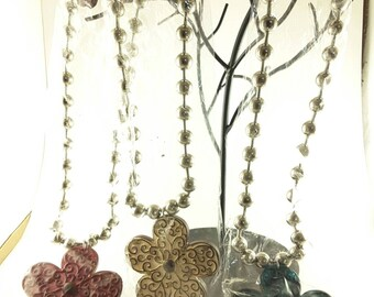 Flower necklace with earrings