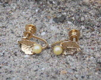 Vintage Act II Gold Tone Faux Pearl Earrings Clip on Screw on Leaf
