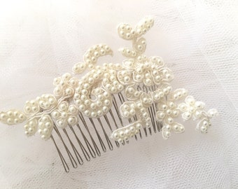 Pearls and Lace Petite Bridal Hairpiece (Ivory)