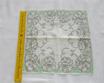 Vintage hankie green and white with rope like boarder print