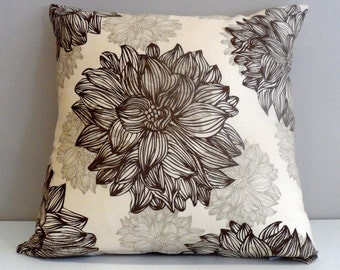 Evelyn and Janette 100% organic cotton twill cushion.
