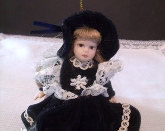 Vintage Miniature Porcelain Doll, (# 458/15)