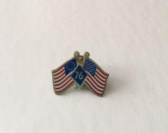 Vintage Bicentennial Flag Pin