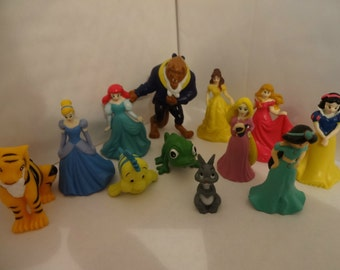 Mister A Gift Disney Princesses set of 12 Plastic Cake toppers