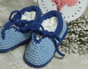 Slippers SH4  Medium (6 - 12 months. Heel to toe 11cm)