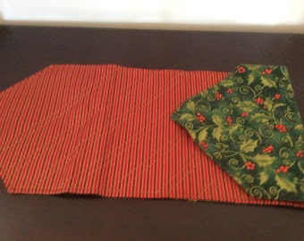 Great Holiday Table Runner