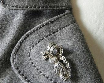 Marcasite art deco ribbon brooch