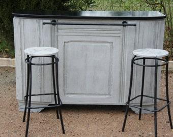 Vanity countertop with stools