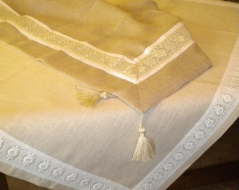linen tablecloth with lace