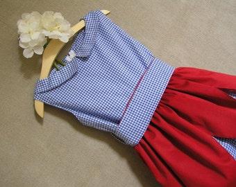 Tulip. Charming and original cotton dress. Item unique. Handmade.