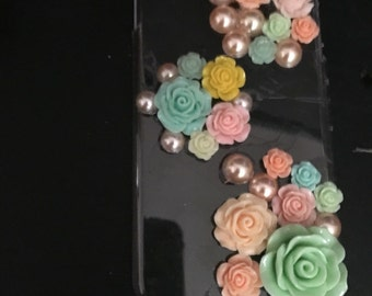 Pearled out flower cell phone case