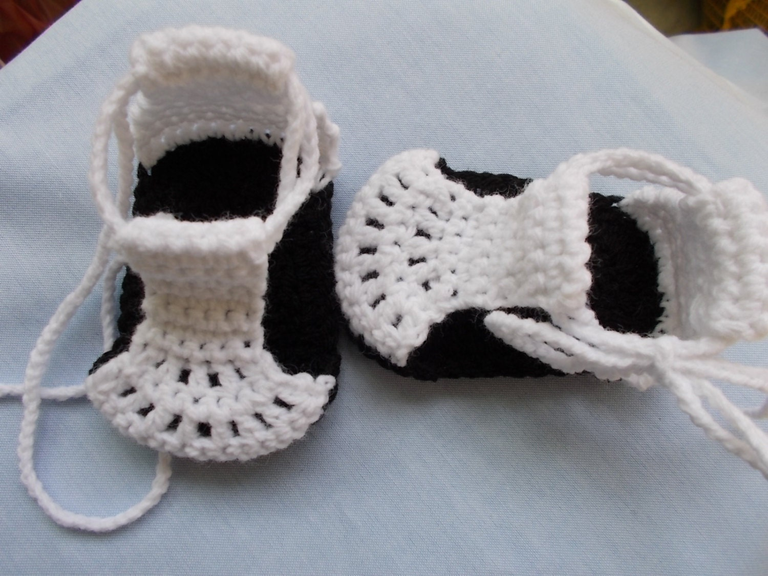 Crochet Baby Shawl Pattern Easy : CROCHET PATTERN Baby pattern Baby Shoes pattern by crochetveni