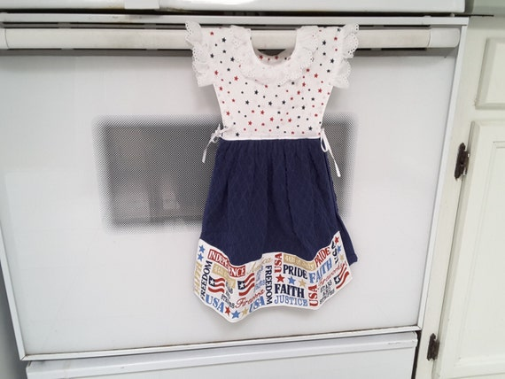 Patriotic Hanging kitchen towel dress with potholders 200