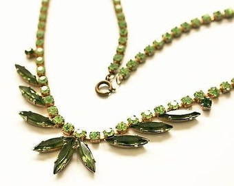 Vintage Green Rhinestone & Diamanté Necklace