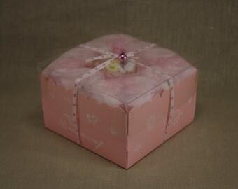 Small box pink