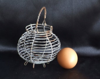 Egg Basket//Wire Egg Basket//Little vintage French Wire Basket//Wire Basket//Child's Egg Basket//French Salad Shaker//Small Salad Shaker