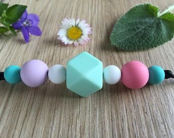 Nursing Necklace: Pastel Mint