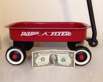 Radio Flyer toy wagon / mini wagon